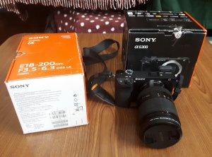 Bán máy ảnh Sony A6300 + lens Sony E18-200mm còn BH tới 3/2018
