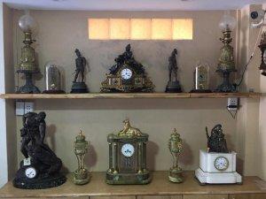 Bộ đồng hồ tuợng đồng mạ vàng đá xanh cẫm thạch nguyên khối ( nặng 30kg ) sản xuất 1900 Pháp