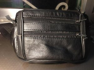 Túi mề gà da thật còn khá mới, giá 290k