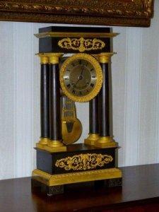 Đồng hồ cổ Khải Hoàng Môn sản xuất Pháp 1820.