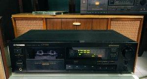 Casset Tape Deck: Pioneer CT-333, 220V