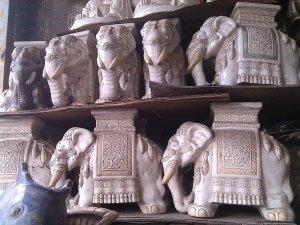 Đôn voi bạch tượng xuất đi Ân Độ xưa