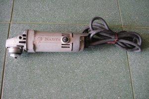 Mài tay Makita điện 100V