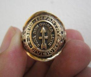 Nhẫn mỹ lực lượng Bộ Binh sư đoàn 32 trong thế chiến thứ I và II, vàng nguyên khối, rất xưa