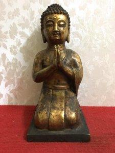 Một tác phẩm về tượng Phật rất đẹp và độc đáo, thần thái và có hồn. giá 1250k Chất liệu: Đồng đúc. K