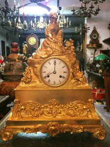 Đồng hồ Pháp cổ mạ vàng, nguyên bản cực đẹp có 102