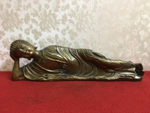 Tác phẩm: Phật niết bàn rất đẹp và độc đáo, thần thái và có hồn. Giá giao lưu nhanh 1.1tr(Bao ship).