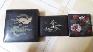 Ba hộp sơn mài cổ 20x20cm.18x12cm.12x12cm.giá 1200k(dùng đựng nữ trang cổ)