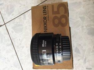 Len Nikon 85 F1.8D full box