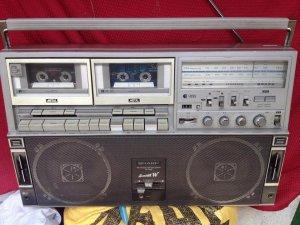 Cassette SHARP GF 818 ST. có video.