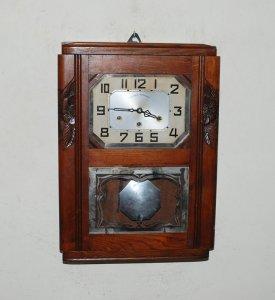 Đồng hồ JURA của Pháp