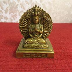 Tượng Phật để ô tô...giá 300k đến 450k/1 pho. Ace quan tâm call hoặc inbox nhé!