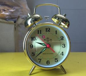 Đồng hồ gà vàng