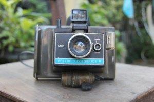 Máy ảnh polaroid xưa còn quá đẹp