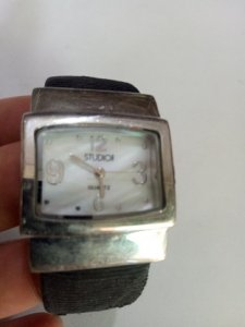 Đồng hồ STUDIO QUATZ JAPAN Hàng xách tay từ Mỹ còn 80%