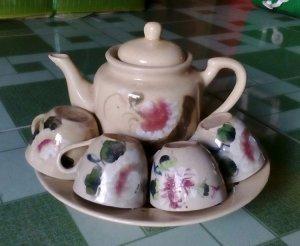 Bộ trà màu lái thiêu xưa