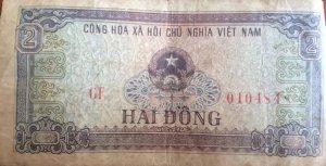 Cần bán 4 tờ tiền xưa (Một đồng vàng Đông Dương, Năm Hào, Một Đồng, Hai Đồng)