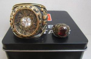 Nhẫn mỹ khổng lồ dùng để chằn giấy hoặc trưng tủ kính rất sang.