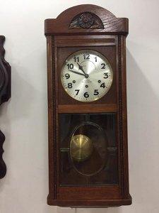 Đồng hồ treo tường Junghans, Đức