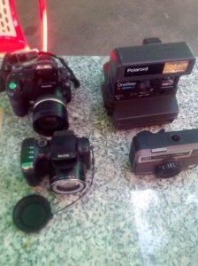 4 máy ảnh