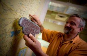 Phát hiện mặt dây chuyền ngọc bích của vua Maya cổ đại 1.390 năm