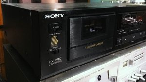 Cassette Deck: Sony TC-K520, 220V