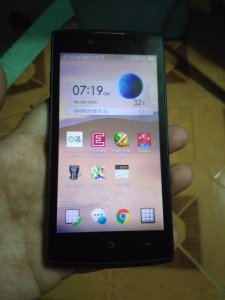 Oppo Neo 3 R831K, máy zin còn nguyên tem, các chức năng OK, bao xài một tuần. Máy, pin, sạc thay thế