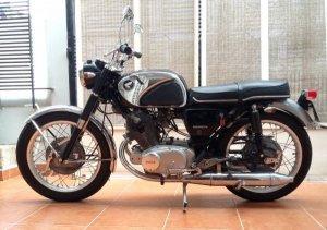 Honda CB77 hiếm và đẹp.