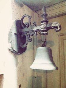 Chuông treo tường - hàng xưa kiểu dáng đẹp