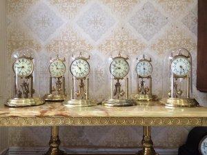 Đồng hồ Uply mặt men 400 ngày sx Đức 1960