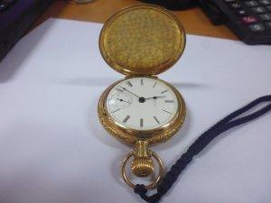 Đồng hồ quả quýt cổ 118 năm