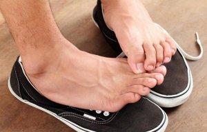 Những phương pháp loại bỏ hôi chân cực đơn giản mà bạn có thể làm tại nhà