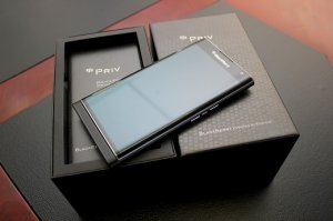Bán Blackberry Priv world likenew fullbox.