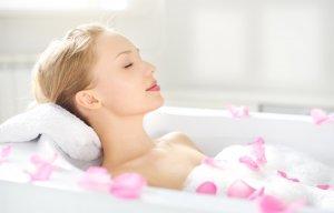 Tắm vào buổi sáng tốt hơn hay tắm vào buổi tối tốt hơn