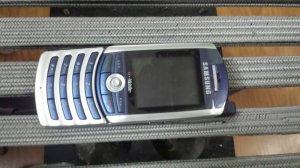 Điện thoại siêu cổ độc Samsung Z130