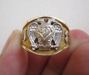 Nhẫn Masonic vàng 10-14k, 02 màu (vàng trắng – vàng vàng) đính hột xoàn thiên nhiên trắng sạch 3,3ly