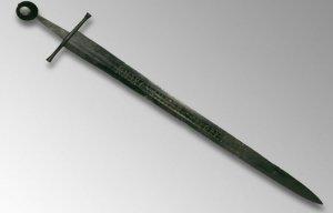 Phát hiện mật mã bí ẩn trên thanh kiếm cổ 800 năm không thể giải mã được ở Anh
