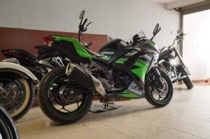 Kawasaki-Ninja-300-ABS (4).jpg