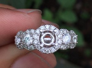 Vỏ nhẫn nữ, vàng ngoại 14k - Ổ chủ 4,5-5,5ly, xung quanh đính 2 viên 3ly