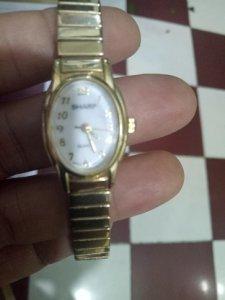 Đồng hồ Nữ SHARP QUATRZ  còn mới 90% hàng xách tay từ Mỹ