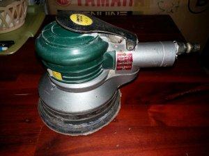 Đánh bóng + chà nhám tròn (dùng hơi) Compact
