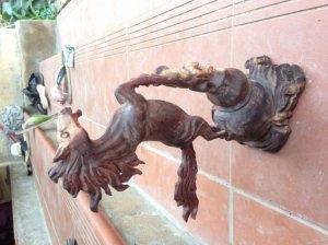 Ngựa gỗ trắc