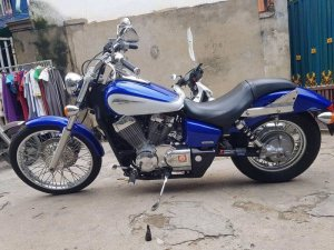 Honda shadow 750 spirit date 2011