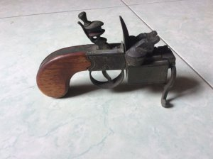 Giao lưu súng Dunhill xưa