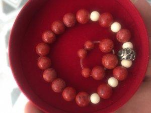 Vòng san hô đỏ