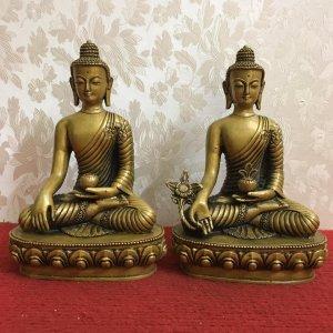 Hai bức tượng Phật đẹp lắm các Bác ạ( Hình ảnh nói lên tất cả)...Mời các Bác hữu duyên thỉnh về nhé!