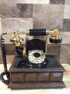 Giao lưu nhanh điện thoại đến từ phương Tây