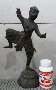 Hội Xuân Độ Bức tượng võ sĩ khỉ rất to và đẹp