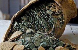 Kho báo gần 600kg tiền xu cổ được phát hiện tại công viên Tây Ban Nha