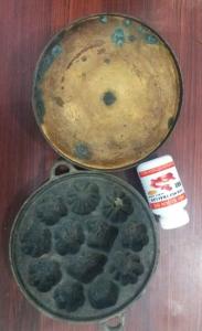 Khuôn làm bánh bằng đồng nặng gần 4kg giá 1,5 triệu